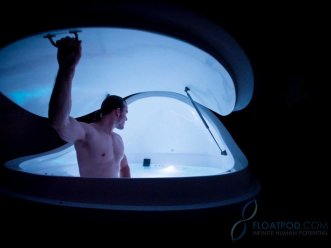 floatation-therapy-sensory-deprivation-1